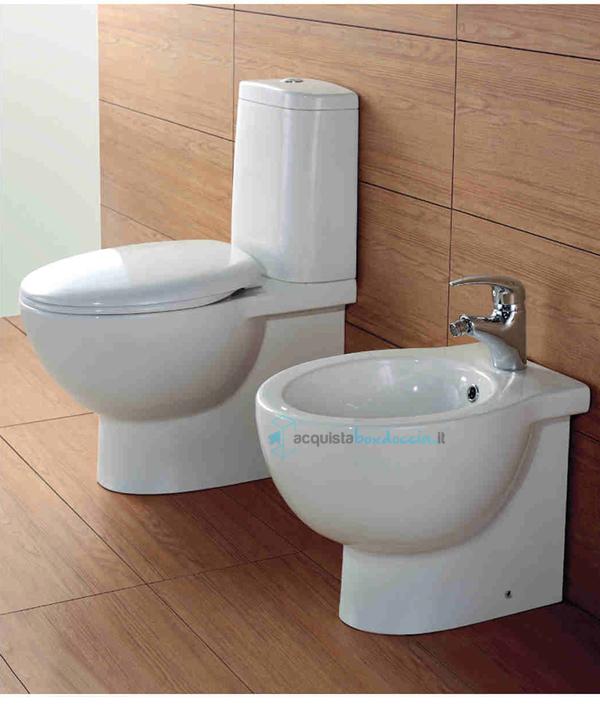 Vasi Monoblocco In Ceramica.Vendita Vaso A Terra Monoblocco In Ceramica Con Coprivaso Soft Close